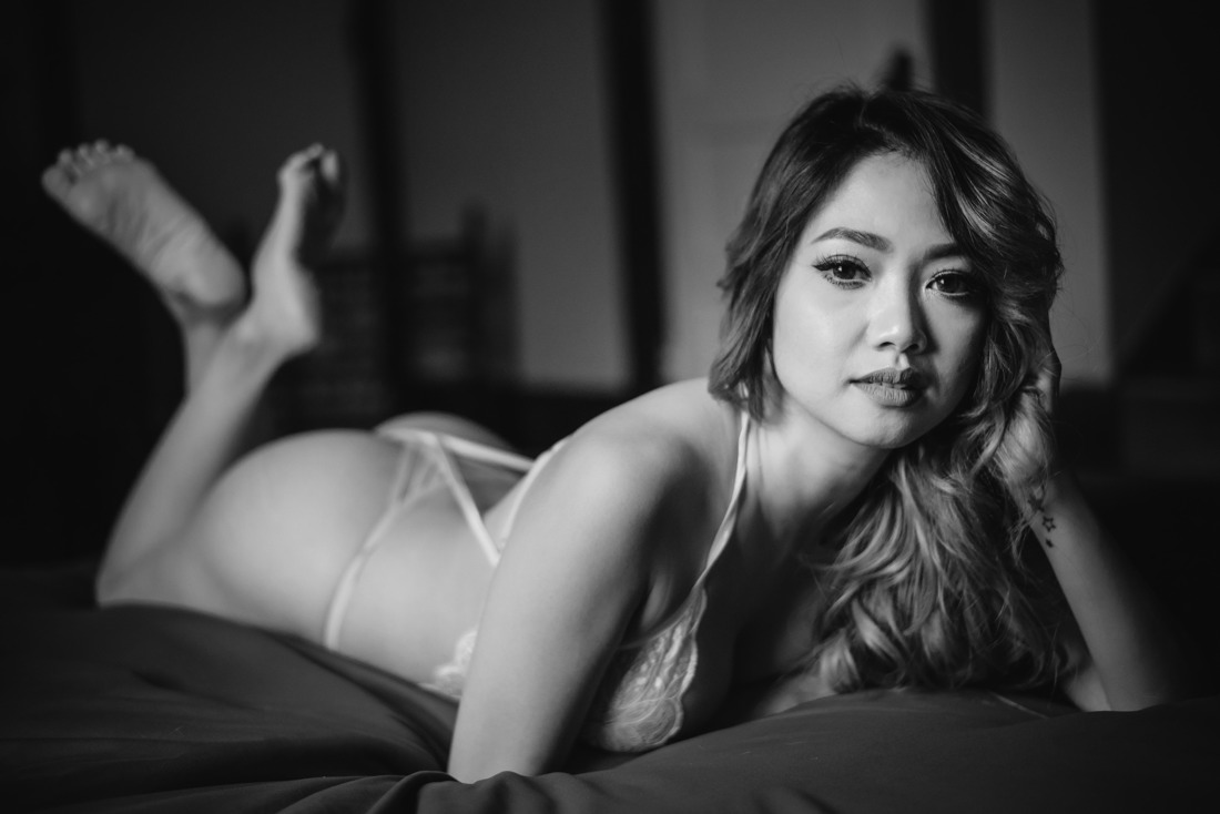 houston boudoir photography studio dramatic edgy tasteful images
